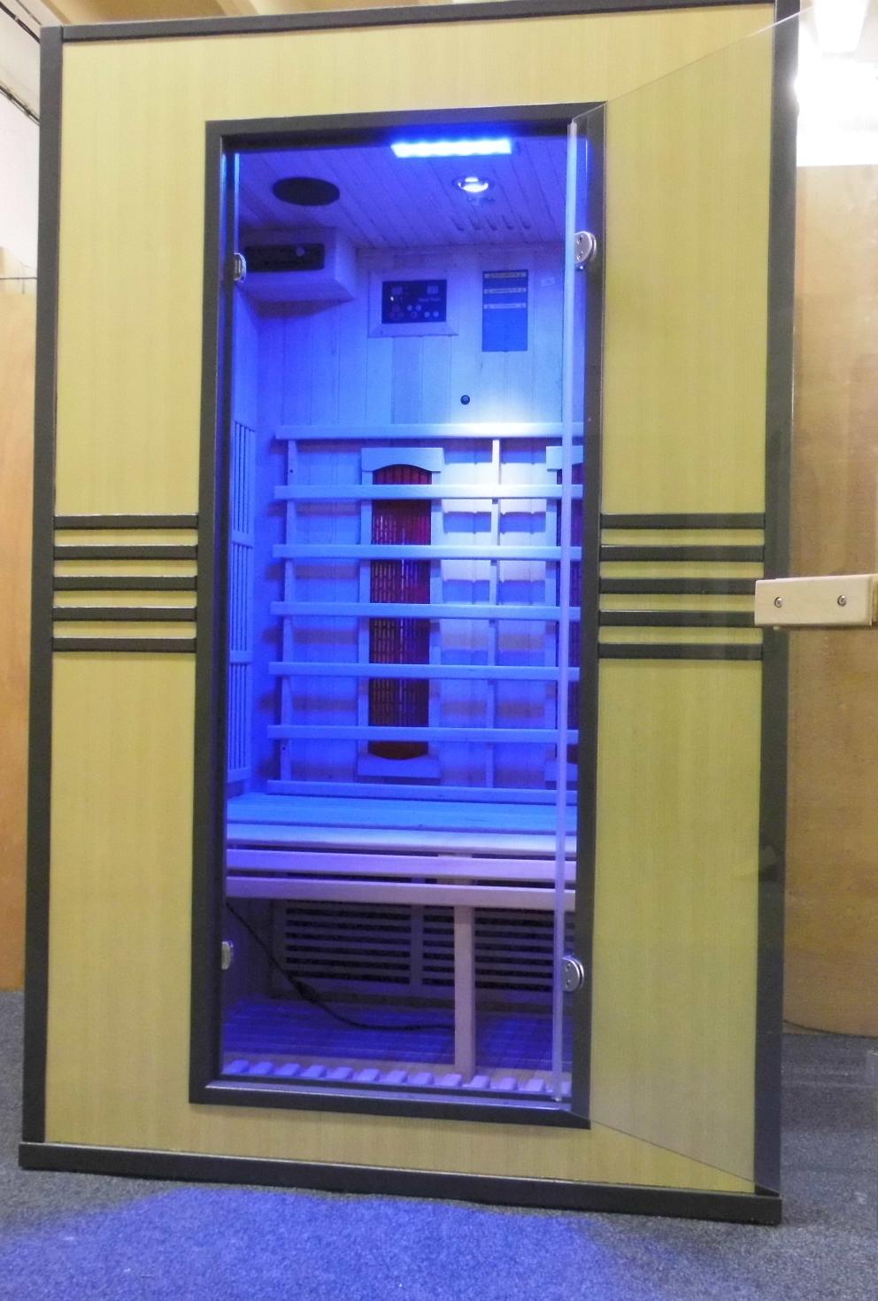 infrarotkabinen sauna vollspektrumstrahler keramikstrahler cd radio farbanlage d. Black Bedroom Furniture Sets. Home Design Ideas